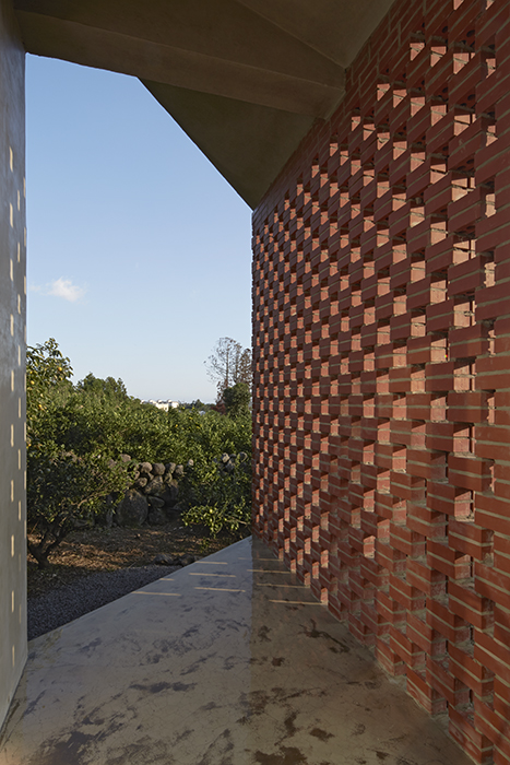 Thierry Sauvage: thierry sauvage photographe, Chae-Pereira architects, Jeju Tokki guesthouse, Jeju Island, South Korea Seoul