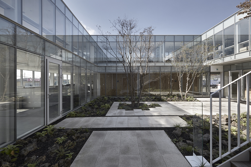 Thierry Sauvage: thierry sauvage photographer, Choon Choi Architects, Maeil Dairies Gatehouse, Seoul, South Korea photographe